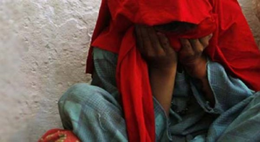 Photo of لڑکی کو اغوا کرنیوالے امام مسجد پر تشدد ، داڑھی ، بھوئیں مونڈ دیں