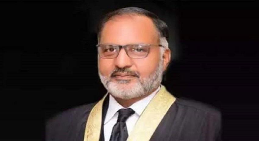 Photo of جسٹس شوکت عزیز صدیقی کے الزامات کی تحقیقات کیلئے لارجر بینچ تشکیل دیا جائے، پاکستان بار کونسل اپنا کردار ادا کرے: کامران شیخ