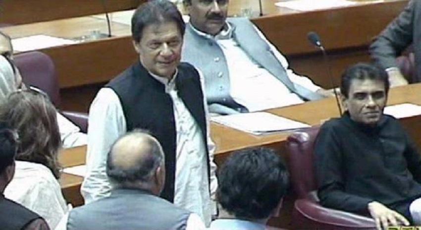 Photo of وزیراعظم عمران خان کی نئی رہائشگاہ کیلئے فرنیچر کہاں سے لایا گیا ہے ؟ جان کر پاکستانی خوش ہوجائیں گے