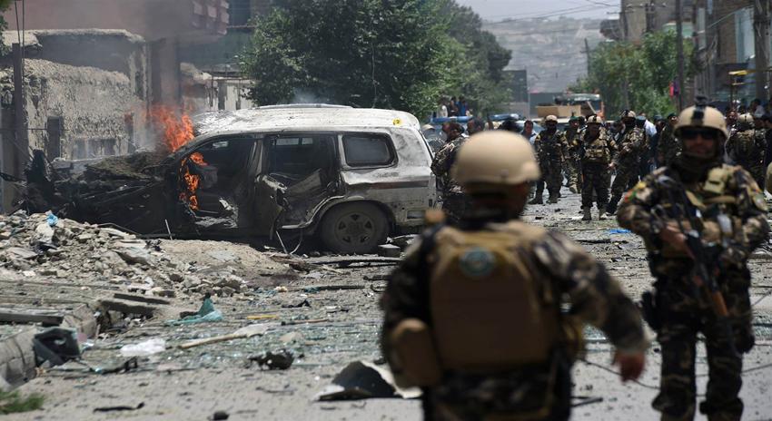 Photo of افغان صوبہ پروان میں خودکش حملہ، 3 غیر نیٹو اہلکار ہلاک، 3 افغان فوجی زخمی
