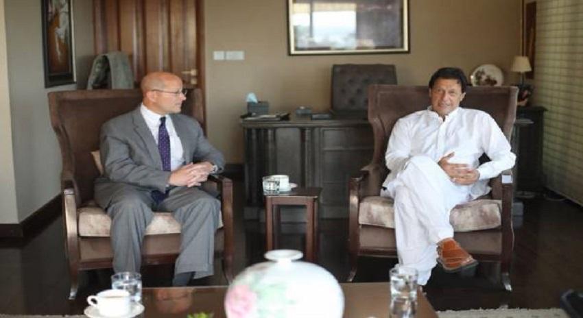 "Photo of ""ہم چاہتے ہیں کہ امریکہ کیساتھ۔۔۔"" عمران خان نے امریکی سفیر سے قوم کے دل کی بات کہہ دی"