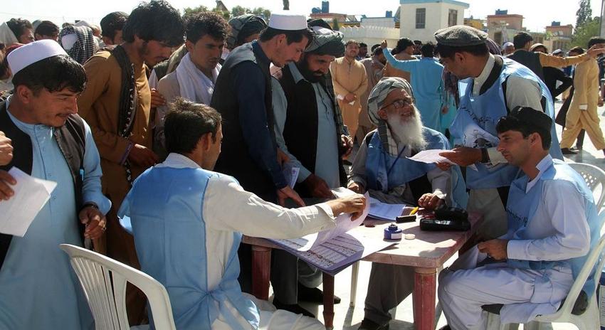Photo of افغانستان میں انتخابات کا دوسرا دن، دہشتگردی کے واقعات میں 12 افراد ہلاک