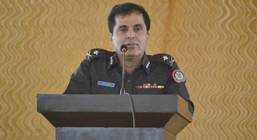 Photo of کراچی پولیس چیف کی جوڑوں سے نکاح نامہ مانگنے پر سخت کارروائی کی تنبیہ