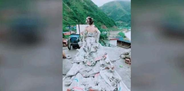 Photo of خاتون نے 40 سیمنٹ کی تھیلیوں سے خوبصورت عروسی لباس بنا ڈالا