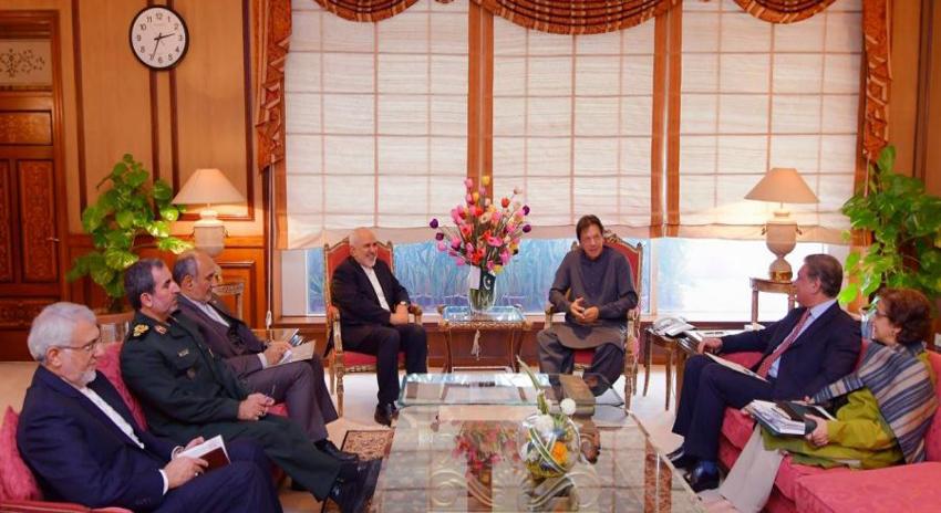 Photo of ایرانی وزیر خارجہ کی وزیراعظم عمران خان سے ملاقات، باہمی دلچسپی کے امور پر گفتگو
