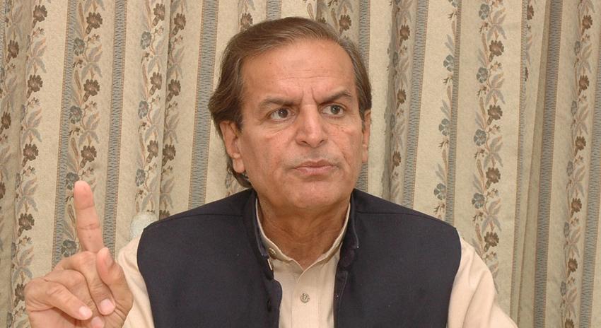 Photo of عمران خان کمزور ترین وزیراعظم ہیں، جو خود حکومت نہیں چلانا چاہتے، جاوید ہاشمی