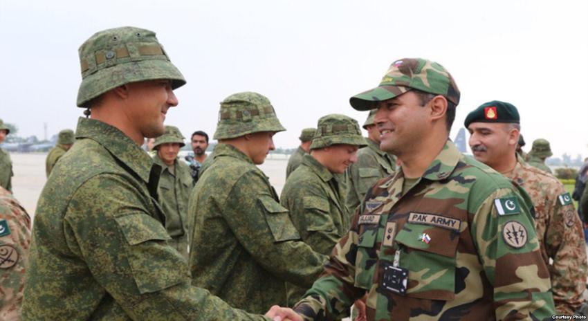 Photo of مشترکہ تربیتی مشقوں کیلئے روسی فوجی دستہ پاکستان پہنچ گیا