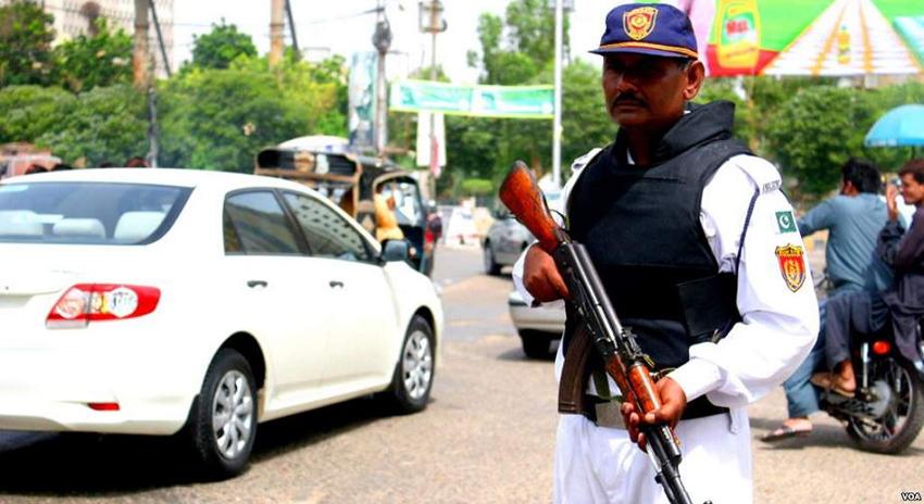 Photo of کراچی، رانگ وے گاڑی چلانے والوں کو گرفتار کرنے کا حکم