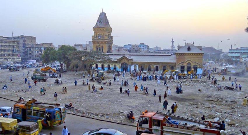 Photo of کراچی، ایمپریس مارکیٹ اور اطراف میں 2500 دکانیں مسمار کیں، کے ایم سی رپورٹ