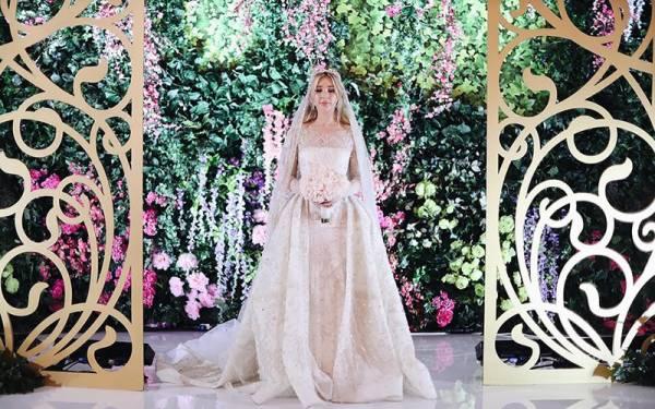 Photo of مہنگی ترین شادی، ارب پتی شخص کی بیٹی دلہن سسرال والوں کے لیے 4کروڑ روپے کے کپڑے جہیز میں لے کر پہنچ گئی