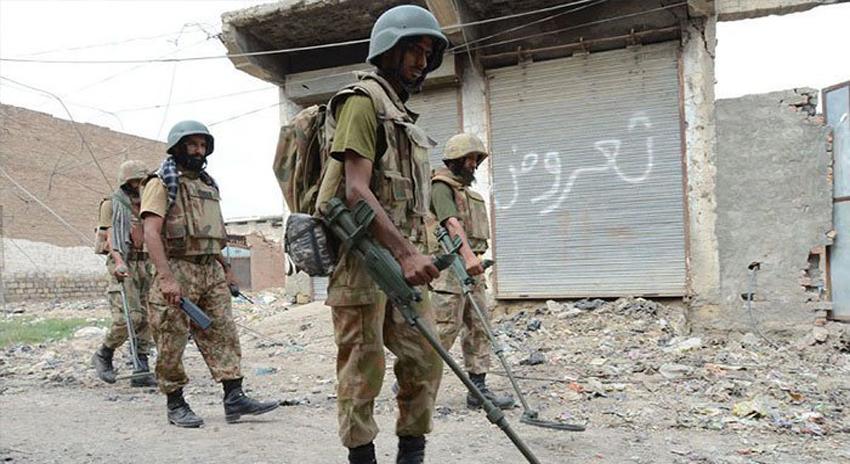 Photo of ڈی آئی خان: سیکیورٹی فورسز کی کارروائی، مطلوب دہشت گرد ہلاک، 6 یرغمالی بازیاب