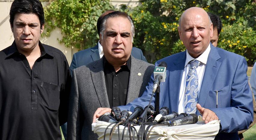 Photo of وفاقی حکومت صوبہ سندھ میں پانی کے مسائل حل کرنے کی پوری کوشش کرے گی، گورنر پنجاب