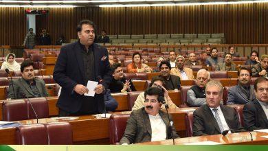 Photo of فواد چوہدری کے پارلیمنٹ میں بلند و بانگ دعووں پر ایوان میں قہقہے گونج اٹھے