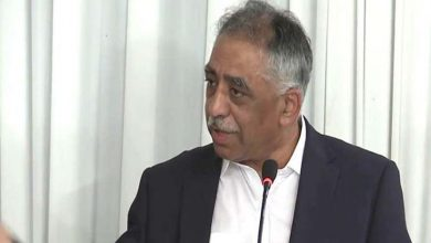 Photo of حکومت بجٹ سے پہلے اپنے اخراجات کم کرے، ورنہ روپے پر دباؤ برقرار رہے گا، ڈاکٹر محمد زبیر