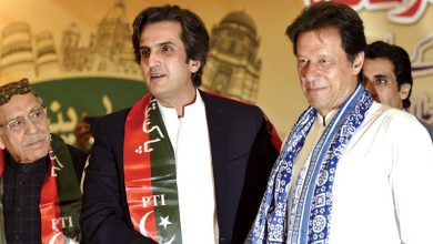 خسرو بختیار عمران خان