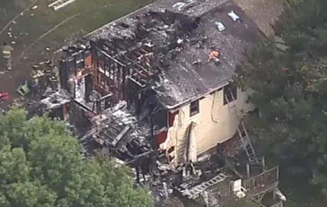 امریکا میں طیارہ گھر پر گر کر تباہ، 3 افراد ہلاک