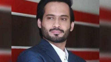 کشمیر کی حمایت اور بھارت کیخلاف آواز اٹھانے پر وقار ذکا کا سوشل میڈیا اکاؤنٹ معطل