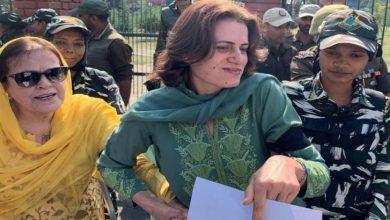 Photo of مقبوضہ کشمیرمیں سابق وزیر اعلیٰ کی بہن اور بیٹی گرفتار
