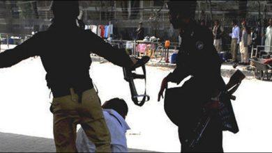 Photo of پولیس نے نوجوان کو بدترین تشدد کا نشانہ بنا ڈالا