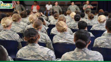 Photo of امریکی فوج میں شامل خواتین کے لیے گرومنگ پالیسی