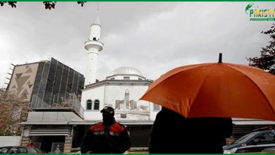 Photo of البانیہ، مسجد میں چاقوبردار شخص کانمازیوں پرحملہ