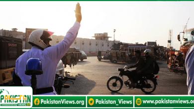 Photo of شہر قائد میں شہریوں کے چالان کاٹنے والے ٹریفک پولیس افسران پر انعامات کی بارش