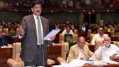 Photo of حکومتی ارکان کی ایک دوسرے کے خلاف شدید نعرے بازی میں آئندہ سال کا بجٹ پیش