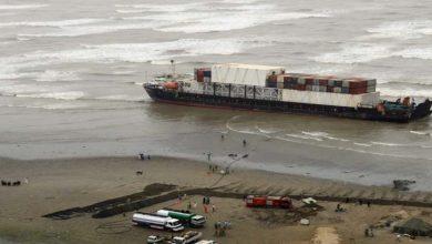 Photo of ساحل پر پھنسے جہاز کو نکالنے کے لیے سنگاپور سے ماہرین کی ٹیم آج کراچی پہنچے گی