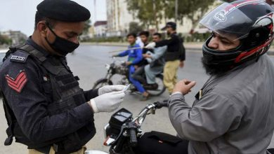 Photo of کراچی پولیس کو کورونا ویکسین نا لگوانے پرمقدمات اورگرفتاریوں سے روک دیا